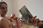 Ежемесячные выплаты семьям, имеющим детей по-новому